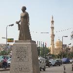 una vera e propria istituzione in Egitto...e le hanno dedicato una statua..e non solo...