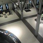 vue du hall depuis l'ascenceur