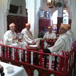 Chez Hammadi, músicos