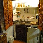 Small kitchenette with all you need!