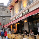Biggest rip-off in Paris - avoid at all costs!