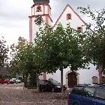 Barocke Dorfkirche unmittelar beim Adler gelegen