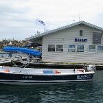 tienda en el centro de la Marina ,puedes comprar recuerdos desde tu barco al salir de paseo al m