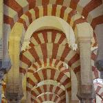 Red & white-striped voussoirs inside La Mezquita