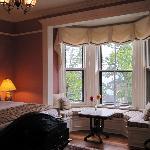 Beatrice room - nice big window seat