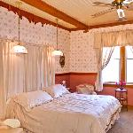 The Helen Muray Room at Mariposa Hotel Inn in Mariposa, California, home of Yosemite National Pa