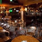 Winston's English Pub & Grill