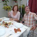 Genüsslich speisen im idyllischen Innenhof