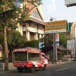 Pondok Makan Pelem Golek Restaurant from outside