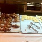 petit déjeuner européen et excellent