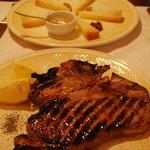 Juicy steak and pecorino with honey