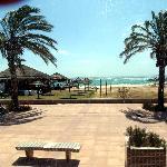 arrivée à la plage (Yasmine Hammamet)