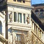 La Inmobiliaria,estatuas de Venus y Apolo