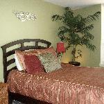 guest room, queen bed, very cozy