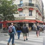"""Exterior of """"Au Tours De Notre Dame"""""""