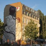 East Side City Hotel, murales
