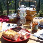 Picnic Basket lunch @ Dirty Laundry Vineyard, Summerland BC