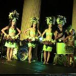 Hawaii Alive luaua dancers