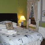 Refurbished/freshly painted rooms! NICE!!!