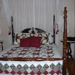 Cashtown Inn/ Pender Suite