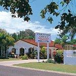 Paradise Court Entrance