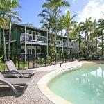 Coral Beach Noosa Resort offers spacious 2 & 3 bedroom accommodation with full resort facilities