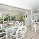 Coral Beach Noosa Resort - spacious dining & living areas of three bedroom Townhouse
