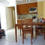 salle à manger+cuisine+lit 2places pliant