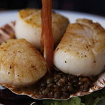 Scallops with lentils