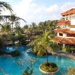 Nice Room Facing Poolside & Seaview