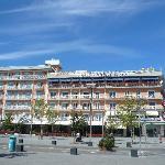 l hotel visto in piazza