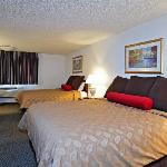 Shilo Inns Tacoma Double Queen Suite
