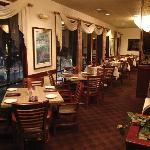 Shilo Inns Pomona Hilltop Hotel Indoor Dining