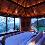 Treetop panorama pool villa- bedroom