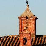 Torretta con croce che attesta l'origine ecclesiale