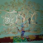 La chambre avec l'arbre