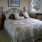 The Cypress Room - Bed and Breakfast On The Green