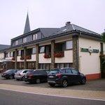Hotel Eifeler Hof - main building & parking