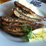 Fried Baltic herrings - half portion.