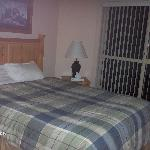 Deer lodge bedroom 1