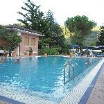 piscina e parte del giardino