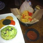 Guacomole & Chips - Sabor Cocina Mexicana