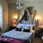 Le Montespan bedroom