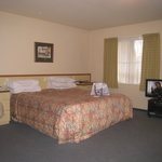 lovely king-size bed - spacious room
