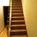 una delle rampe per raggiungere l'appartamento.