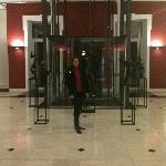 En el hall del hotel