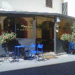 fachada del Pinchiorba y terracita
