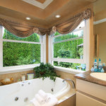 Deluxe Vivaldi suite & private balcony & double Jetted Bath