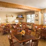 Country Inn & Suites By Carlson Regina Breakfast Room