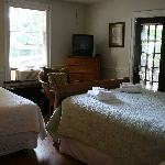 Upstairs bedroom, very convenient with the two beds.